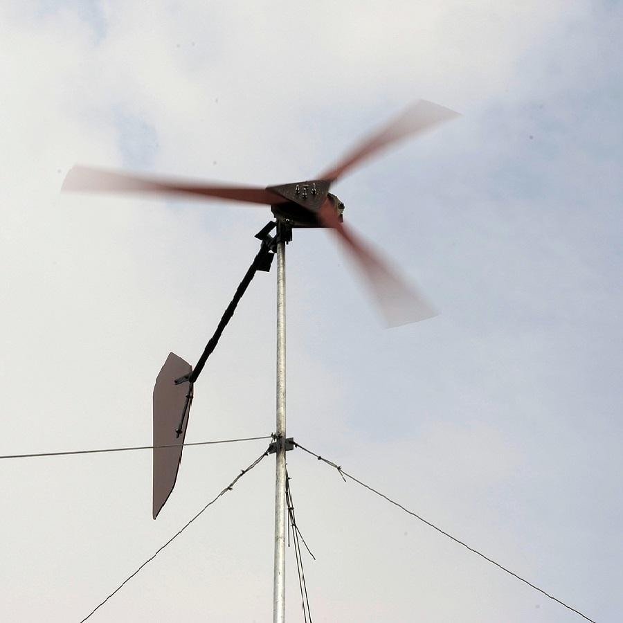 Windrad im Wind / Foto: Jonas Lage